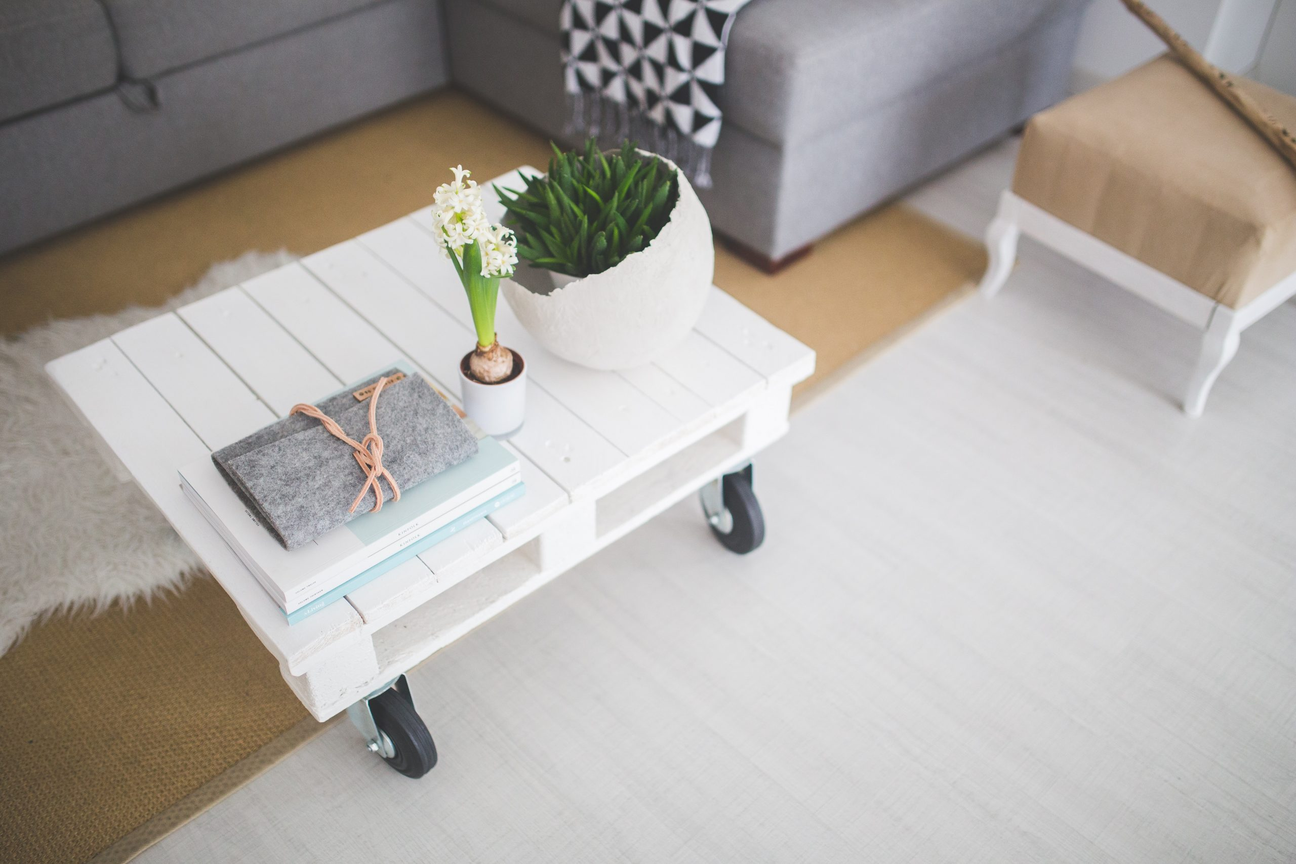 little-white-coffee-table-6412